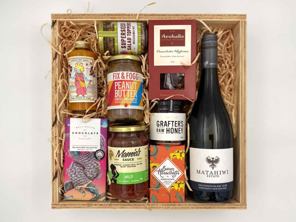 Large Wellington Gift Box with white wine